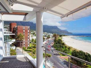 Villa Blanco, Camps Bay