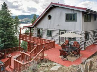 Amazing home w/great lake views, private hot tub, and 360-degree deck!, Harrison