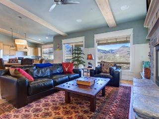 Luxury home w/ private hot tub & mountain views - close to skiing at Deer Valley