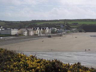 Morawelon, Broad Haven
