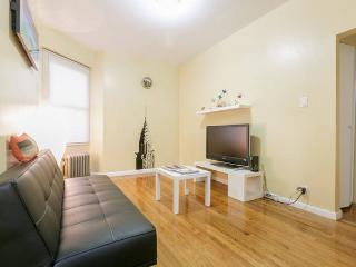 NEW - 2 BR's - 10 min. to Manhattan!, Astoria