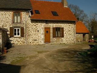 Wisteria Cottage, Lascoux, Nr Azerables, La Creuse, La Souterraine
