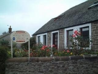 The Old Dairy Cottage Downstairs  dates back 1709, Auchterarder