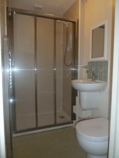 en-suite shower room (completely updated for 2015)