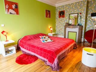 bnb folie mericourt, Paris
