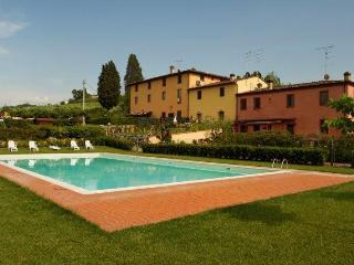 Appartamento con piscina vicino Firenze, Montespertoli