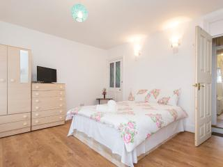 Budget Holiday Apartment to Let in East London, Londres