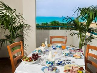 Holiday apartment 50 mt to the beach, free WiFi, Alcamo