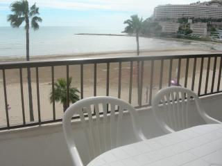 Apartamento dos dormitorios primera linea de playa