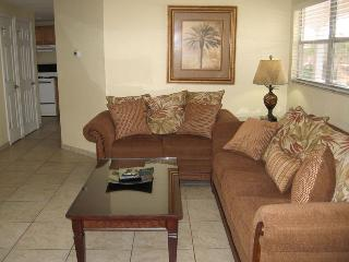 Casey Key Deluxe Suite with a Beachview - Unit 12, Nokomis