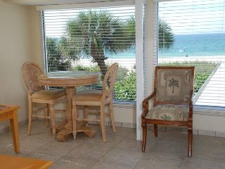 Casey Key Deluxe Suite with a Beachview - Unit 14, Nokomis