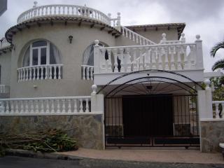 CHALET URBANIZACION BLUE HILL SAN MIGUEL DE SALINA