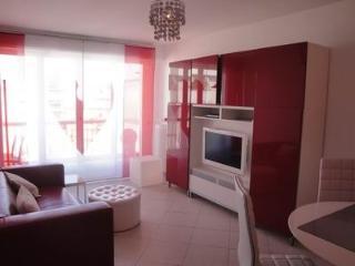 Serenity Apartment/Juan Les Pins: Terrasse.Garage.Clim. WIFI.100 m plages
