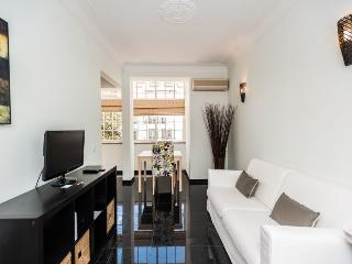 Prazeres Brilho apartment in Bairro Alto {#has_lu…