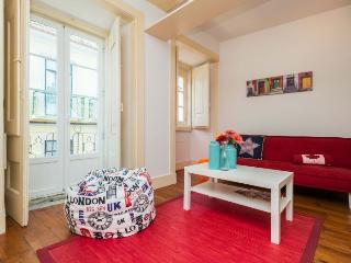 Eduardo Coelho apartment in Bairro Alto {#has_lux…, Lisboa