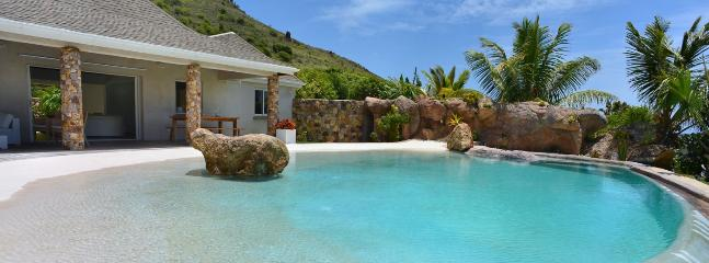 Villa La Roche Dans LEau 2 Bedroom SPECIAL OFFER, Grand Fond