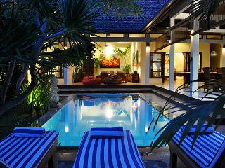 Charming 3BR Villa Azur Seminyak, 500m to Ultimo