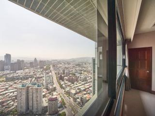 Heaven View  Grand Penthouse 2400 sq ft, Taipei