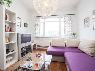 comfy flat in the heart of taksim istiklal, Istambul