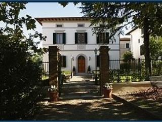 VILLA DELLA CERTOSA- Camera in Villa Storica