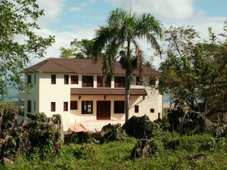 Villa Bahia Rincon Samana, nice  BeachFront Villa