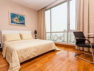2606 SERVICED 2 BED SKY VILLA WITH VIEW, POOL, GYM, BTS