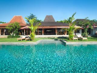 Joglo Villa Theo Bali  - 5 Bedroom Holiday Rentals