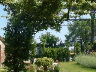 Lovely studio 1 room in farmhouse in  Montepulciano with cooking area,pool,wifi