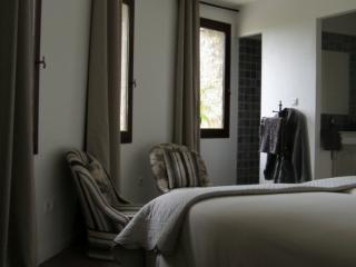 Bed & Breakfast South of France - Bedroom La Tour