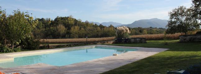Une piscine chauffée dès le mois de mai.