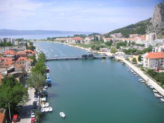apartment air-conditioned waterfront, terrace., Omis