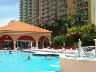 AMAZING 2/2 LUXURY APARTMENT WITH OCEAN VIEW, Sunny Isles Beach