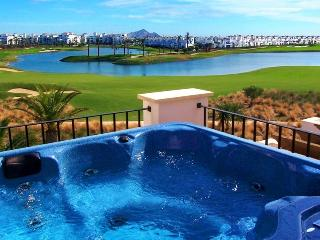 Casa Paramount – Luxury Lakeside Townhouse, Región de Murcia