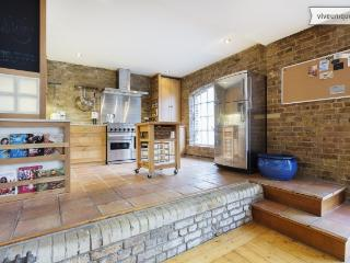 Victorian Warehouse Apartment, Bermondsey Street, London Bridge