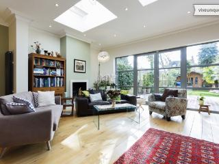 4 bed house, Grove Park Gardens, Chiswick, London