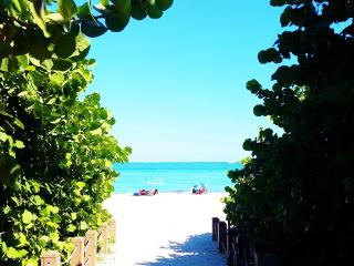 Beach Place 2, North Miami Beach