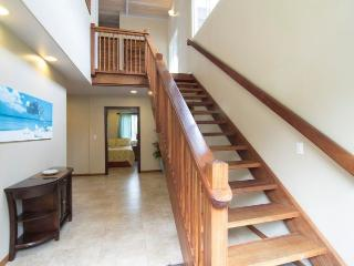 Foyer w/ Beautiful Wooden Staircase