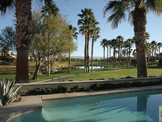 LUXURIOUS HOME AT HIDEAWAY GOLF COURSE, La Quinta