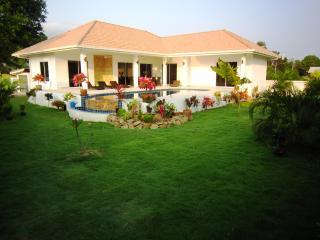 Villas Sala Thai 270m2, swimming pools & bedroom