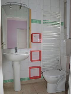 salle de bains-toilettes