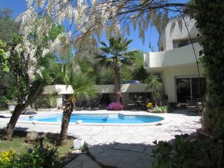 Unique Villa, in Vence, Pet-Friendly, Tranquil, Private