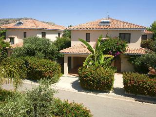 Oroklini Holiday Villa 2401