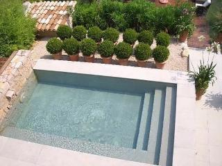 Villa La Sousta - private garden, spa pool, views, La Colle-sur-Loup