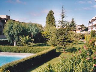Appartement plein sud au calme avec terrasse, Antibes