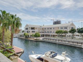 Cape Town V&A Waterfront Apartment -Altmore 104