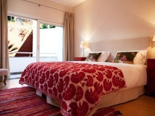 Saint Thomas- Estoril Holiday Apartment Rental