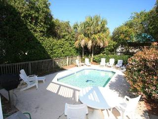 Sunday Cottage ~ Private Pool **Now Allowing 3 Night Stays!
