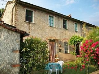 Farmhouse in Tuscany, Pietrasanta, Strettoia