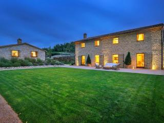 Superb villa in exclusive Murlo Estate with Golf, Perugia