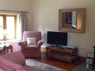 Alpaca Cottage 10% discount for stays June/July, Pengenffordd